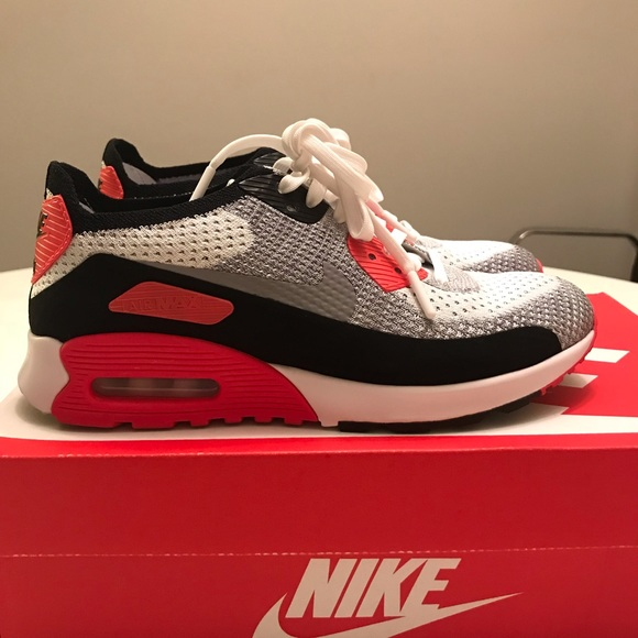 uk availability d21ab 01fc2 Air Max 90 Flyknit Ultra 2.0 Sneakers - Rare Find